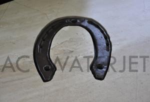horse shoe-waterjet cut ceramic tile 4